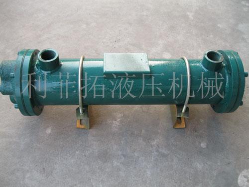 潜油泵,风扇电机,风扇叶片,流量继电器运转,指示正常,冷却器无明显